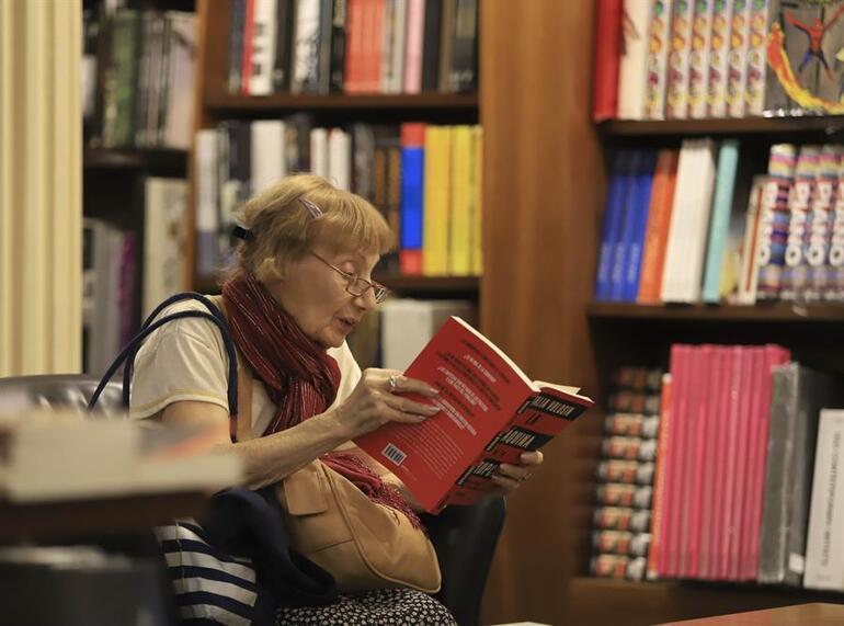 Asırlık tiyatro dev bir kitabevine dönüştü 1 milyon turist çekiyor...