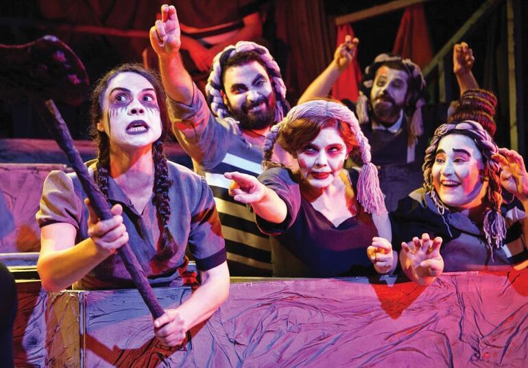 Şehir Tiyatrolarına çağrı Lefkoşa Belediye Tiyatrosu turneye gelsin