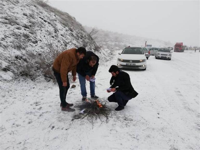 Kar yüzünden yol kapandı, sürücüler şaşkın: İlk defa Nisan ayında böyle gördük