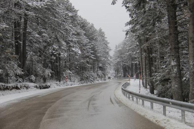 Uludağda kar yağışı devam ederse kayak pistleri açılacak