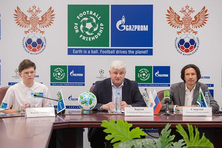 Uluslararası futbol ve dostluk günü