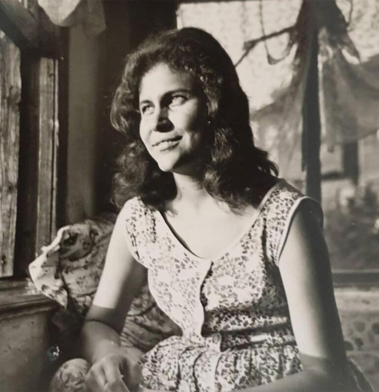 Anneler Gününde büyük acı... Deniz Akkayanın annesi hayatını kaybetti