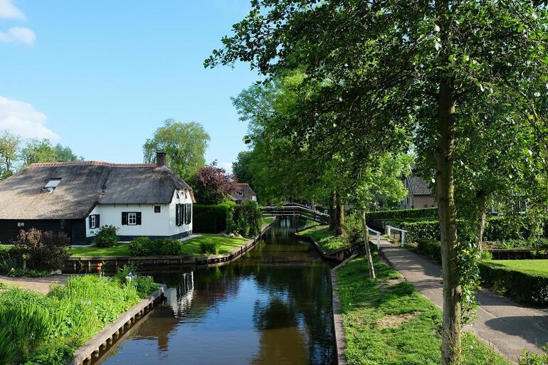 Hollanda'nın masal köyü: Giethoorn