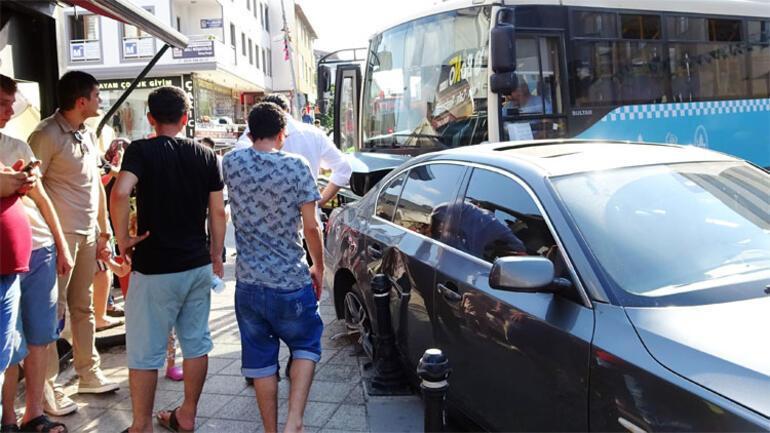 Tuzlada feci kaza... Hafriyat kamyonu, halk otobüsüne çarptı