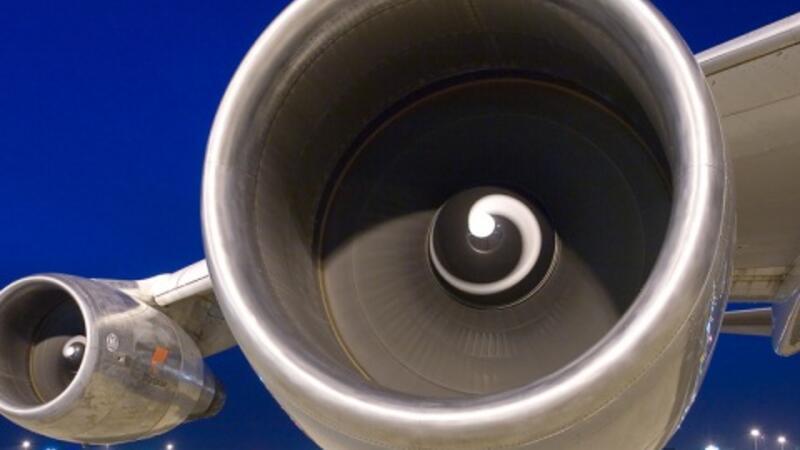 Uçak motorunu öyle bir şeyden yaptılar ki…