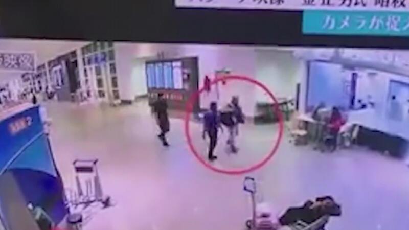 Havalimanındaki suikast kameralara böyle yansımış!