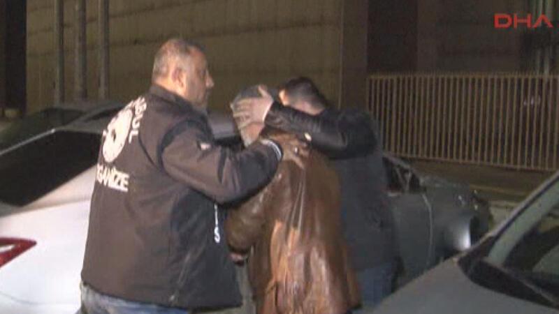 Gözaltındaki hakim ve savcılara FETÖ'den tutuklama