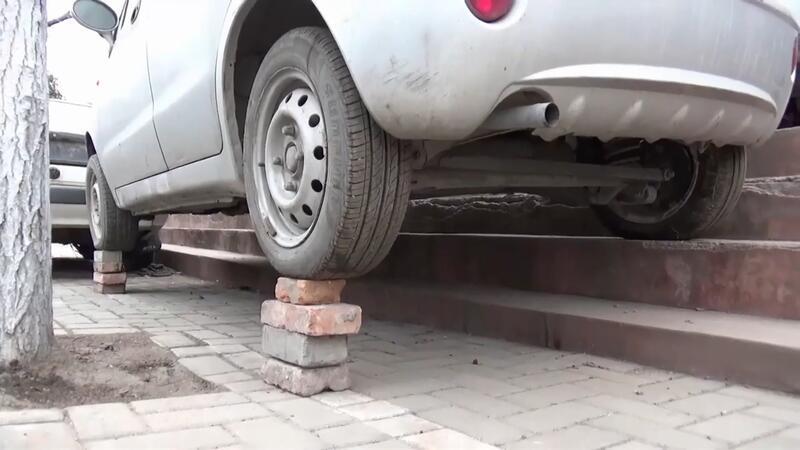 Park yeri sorununa öyle bir çözüm buldu ki...