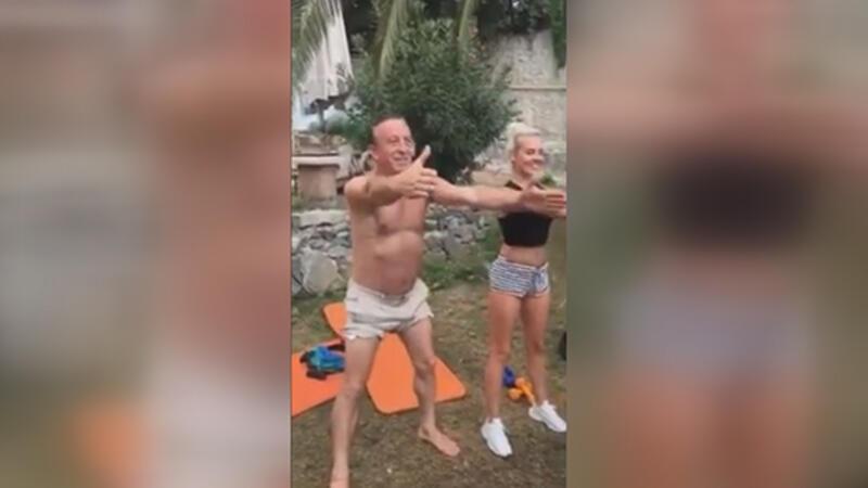 İş adamı Ali Ağaoğlu, sevgilisi ile pilatese başladı