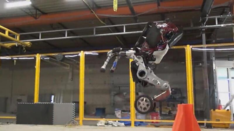 """Boston Dynamics, ürettikleri """"Handle"""" robotunun yeni hareketlerini yayınladı"""