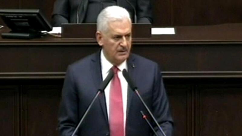 Başbakan Yıldırım'dan 'Kürdistan bayrağı' eleştirilerine yanıt