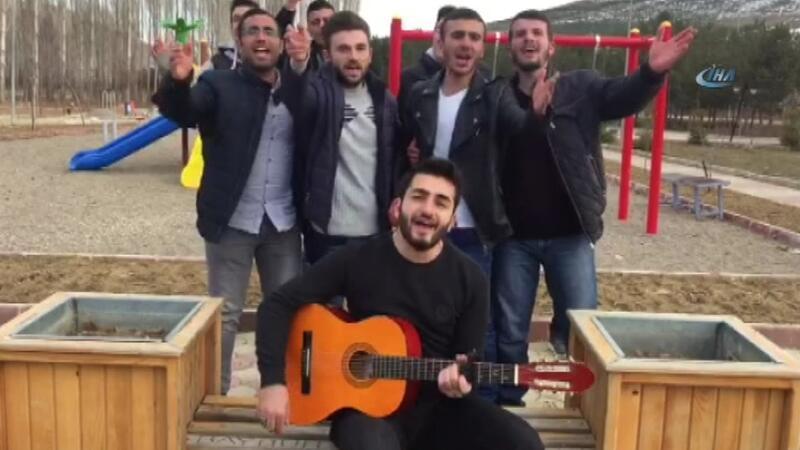 Üniversiteli gençlerden YGS şarkısı!