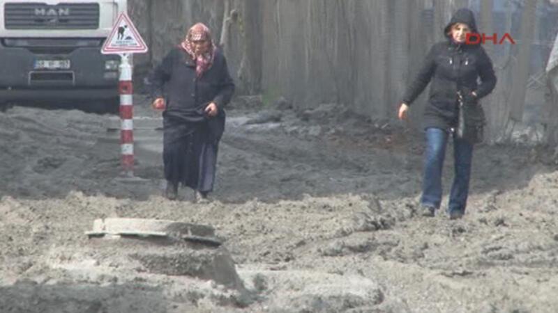 Kadıköy'de oto sanayı esnafının yol isyanı