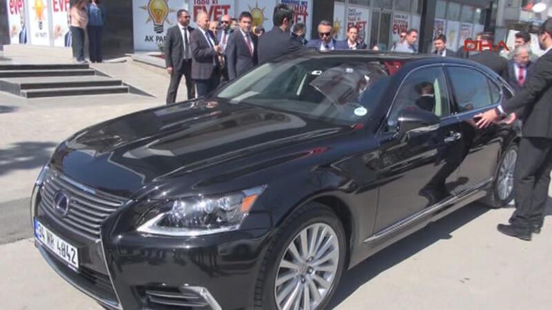 Nihat Zeybekçi Almanya'da üretilen makam otomobilini değiştirdi