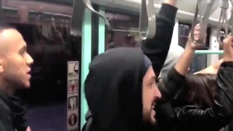 Josef de Souza tramvayda şarkı söyledi