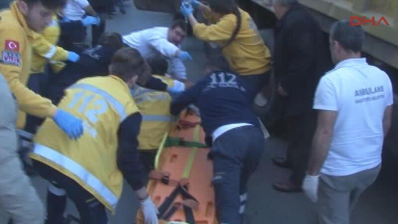 Fatih'te hafriyat kamyonu bir kadını ezdi