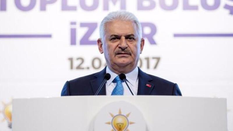 Binali Yıldırım İzmir'de konuştu