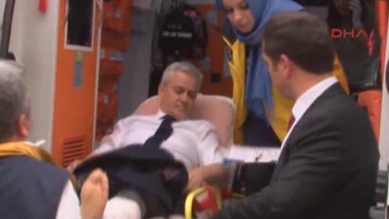 Eski belediye başkanı bacağından vuruldu