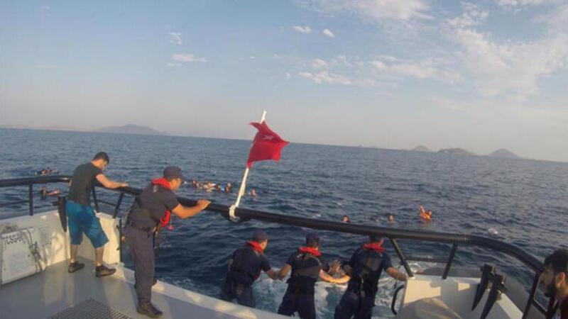 Nine missing as migrant boat sinks off western Turkey