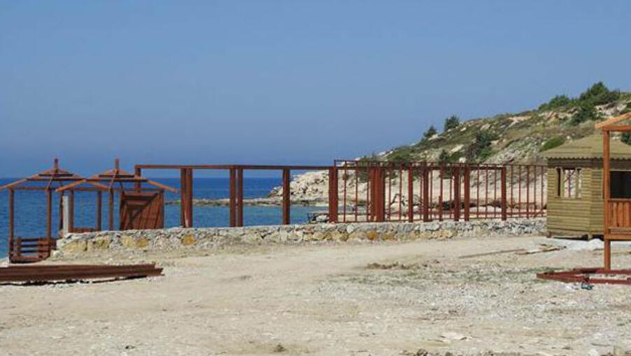 Çeşme'deki Beach Clup'da ruhsatsız yapılanmaya yıkım kararı