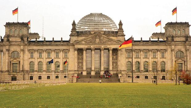 Alman Meclisi nden çalınan bilgiler seçimi mi bekliyor