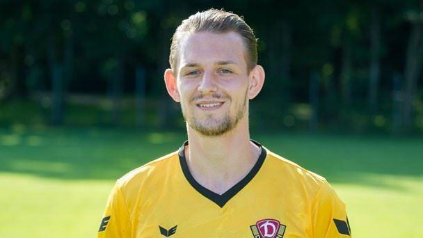 Alman futbolcu boynundan vuruldu