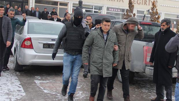 Muradiye Belediye Başkanı DBP li Tunç gözaltına alındı