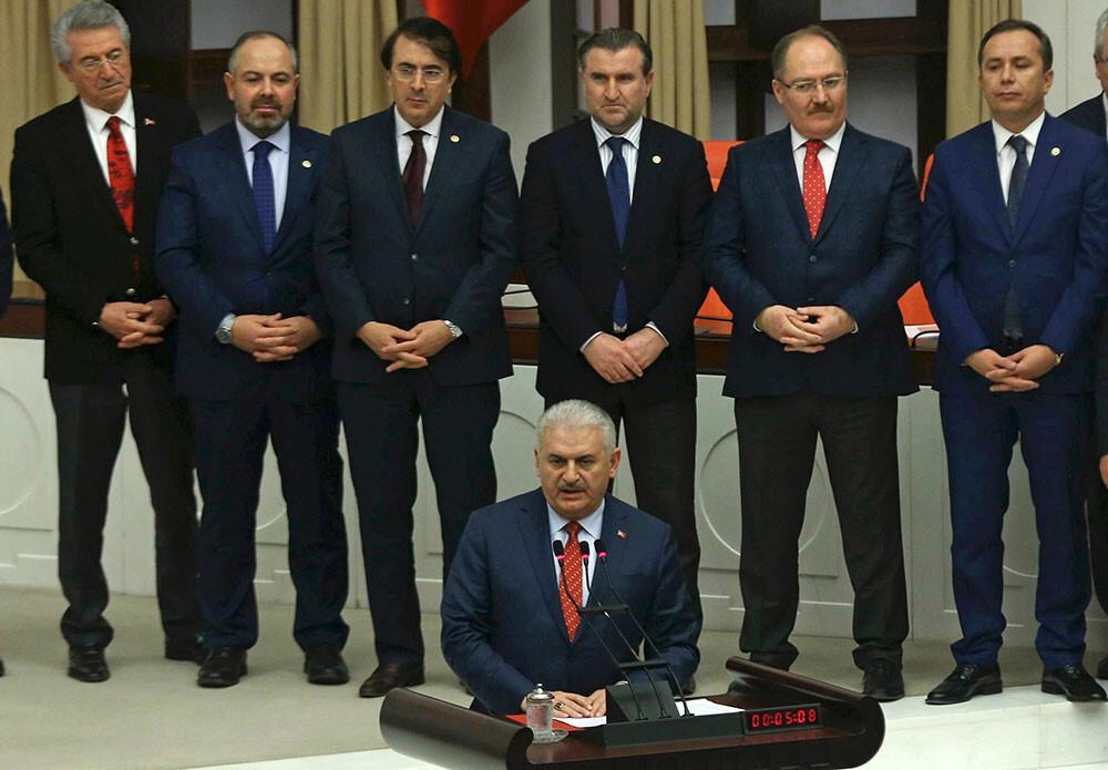 Başbakan Yıldırım referandum mitingleri için tarih verdi