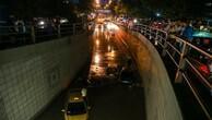 'Kızılay'a metrekareye 2 teneke su yağdı'