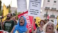 Fransa'daki haşema yasağı Atina'da da protesto edildi
