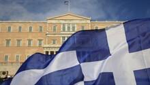Yunanistan'da yeni kemer sıkma önlemlerine onay