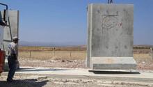 Her gün 75 beton blok Suriye sınırına gönderiliyor