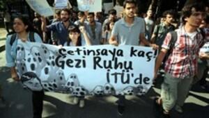 İTÜ'de YÖK Başkanı Çetinsaya'ya protesto