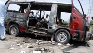 Pakistan'da 17 öğrenci yanarak öldü