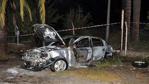 Kaza yapan aracın içinde yanarak öldü