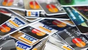 Kart ücretine dava açtı bankadan tazminat kazandı