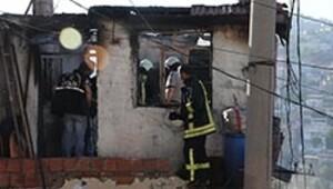 Evde çıkan yangında yanarak öldü
