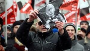 Muhalif lider Putin'i yaktı kendi de yanacak