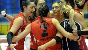 Eczacıbaşı Vitra'yı deviren Vakıfbank finale yükseldi