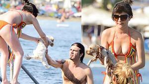 Gonca Vuslateri köpeğini denize soktu