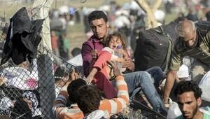 Üç günde Türkiye'ye sığınan Suriyelilerin sayısı 23 bini aştı