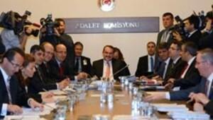 Kürtçe savunma Komisyon'dan geçti