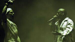 Kanye West Glastonbury festivaline damgasını vurdu