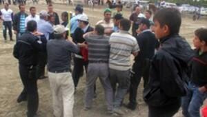 Cirit yarışında hakeme saldırı