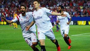 Sevilla, Fiorentina'yı dağıttı; Napoli, Dnipro'ya takıldı