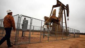 Suriyeli Kürtler ilk kez petrol işlemeye başladı