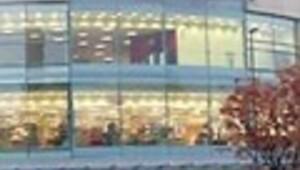 1 sterlinlik tezgâh üzdü Londra'da çözümü alışveriş merkezinden çıkmakta buldu