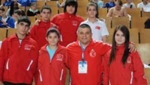 Judoda 1 altın 1 bronz madalya