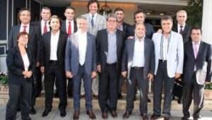 Hazırgiyim Zirvesi İzmir'de toplandı