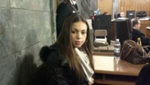 Berlusconi'yi koltuğundan eden Faslı kız hakim önünde